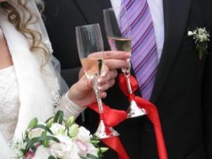 אם תפיקו את החתונה לבד - תחסכו