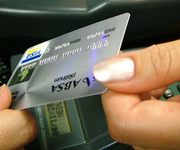 סכנה מתגלגלת: כרטיסי אשראי עם חיוב נדחה